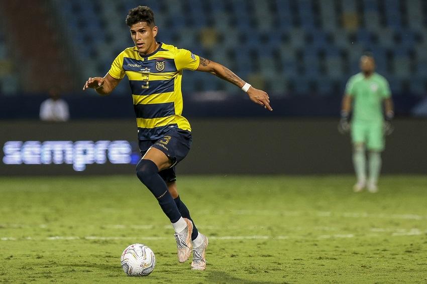 Piero Hincapié ya habría firmado con su nuevo club de Europa