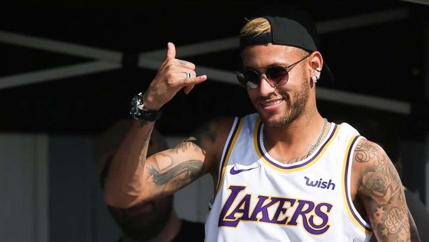 (VIDEO) Neymar demostró su magia en otro deporte