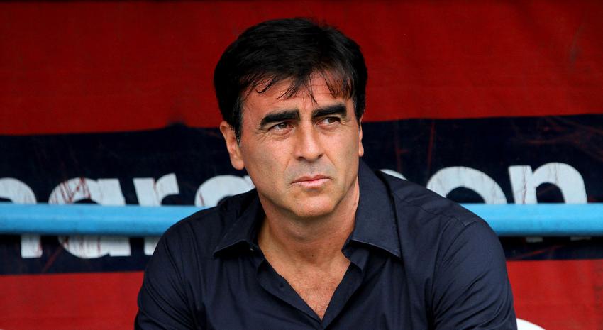 Gustavo Quinteros podría dirigir esta Selección Nacional