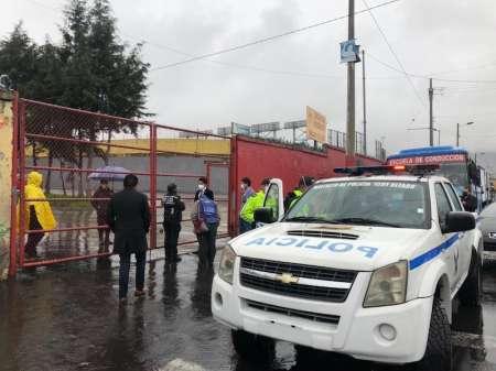 Policía hace posesión de bienes en las instalaciones de Aucas