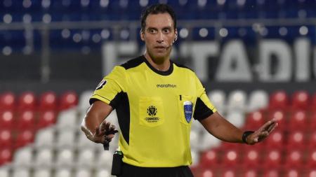 Árbitros ecuatorianos convocados para la Copa América 2021