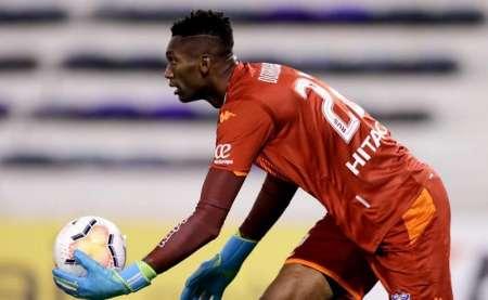 (VIDEO) Doble atajada de Alexander Domínguez en la remontada de Vélez
