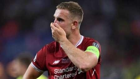 Capitán del Liverpool llama a reunión de emergencia a jugadores de equipos de la Premier