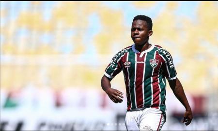 (VIDEO) Fluminense goleó en Brasil con Juan Cazares en cancha