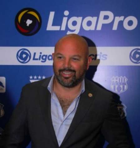 Miguel Ángel Loor explica el nuevo positivo de Adolfo Muñoz