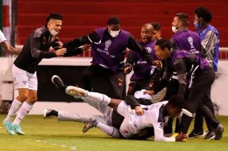 (VIDEO) Djorkaeff Reasco le dio la victoria a Liga de Quito ante Atlético Paranaense