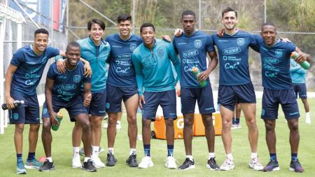 Ecuador tiene dos jugadores en 'capilla'