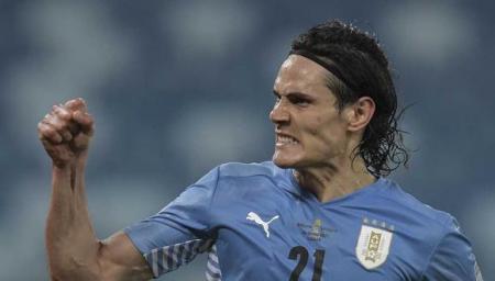 La Selección Uruguaya confirma que Edinson Cavani será baja para la triple fecha