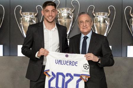Valverde extiende su contrato con el Real Madrid
