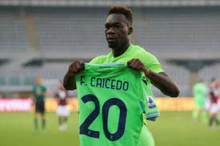 (FOTO) Felipe Caicedo ya luce los colores de su nuevo equipo