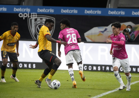 (FOTO) Jugador de Independiente del Valle fue anunciado en Brasil