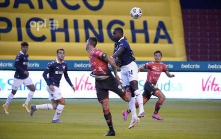 Liga de Quito y Deportivo Cuenca empatan en entretenido partido
