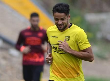 (FOTO) Gabriel Marques fue habilitado y podrá actuar con Barcelona