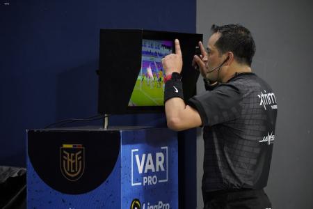 (VIDEO) El gol de Independiente del Valle que fue revisado y anulado por el VAR
