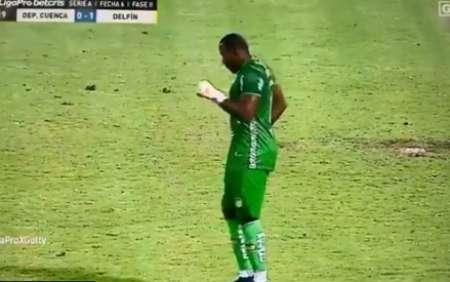 (VIDEO) Blooper de Deportivo Cuenca y bailecito de Johan Padilla