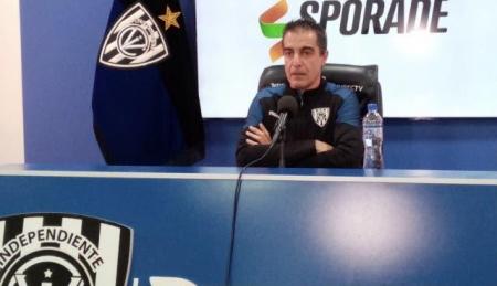 """Paiva: """"Pensé que Barcelona iba a arriesgar un poco más, pero eso es de mi colega Bustos"""""""