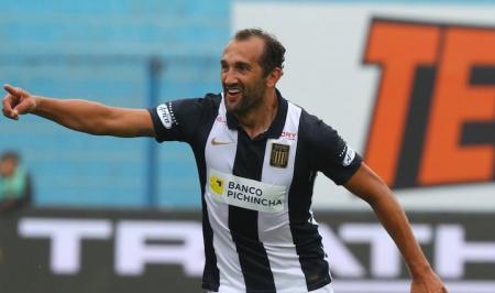 (VIDEO) Hernán Barcos se despacha con tres asistencias en Alianza Lima