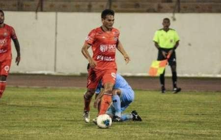 Jairo Vélez fue titular en el empate de César Vallejo ante Melgar