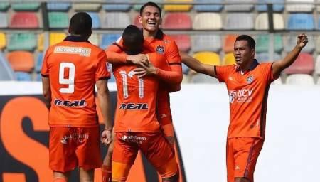 (VIDEO) Jairo Vélez marca gol de tres puntos para César Vallejo
