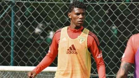 (FOTO) Crecen los rumores sobre una posible salida de Robert Arboleda de Sao Paulo