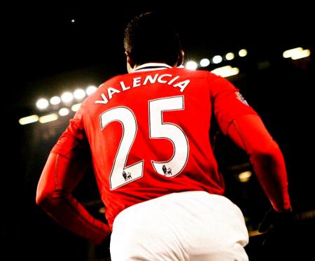 Manchester United recordó a Antonio Valencia en la presentación de Sancho