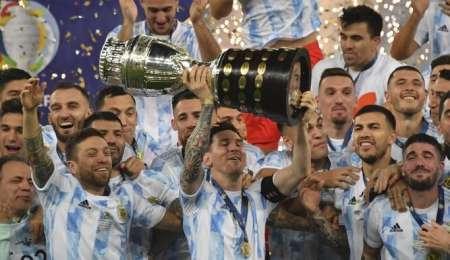 (VIDEO) El momento en que Messi alzó la Copa y gritó campeón