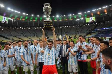 Las fotos oficiales de Messi con la medalla de Copa América