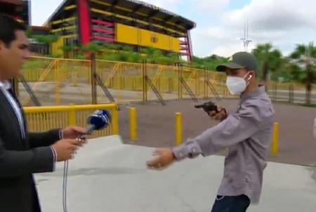 (FOTO) Anuncian la captura del asaltante a dos periodistas en los exteriores del Monumental