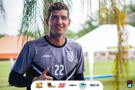(FOTOS) Así fue la primera práctica de Jorge Pinos con 9 de Octubre
