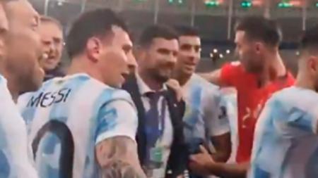 (VIDEO) El regaño de Messi a De Paul por burlas contra Brasil en pleno festejo