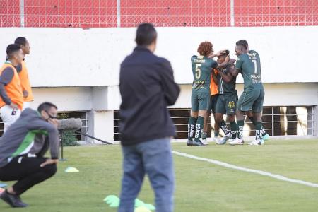 América de Quito superó como visitante a Atlético Santo Domingo