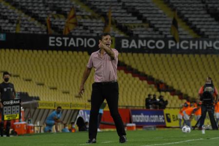 Fabián Bustos reconoció la dificultad de vencer al Manta en el Monumental