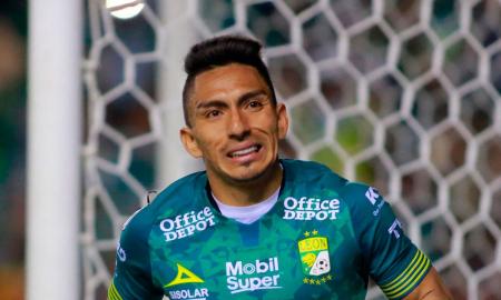 Se complica la renovación de Ángel Mena con León