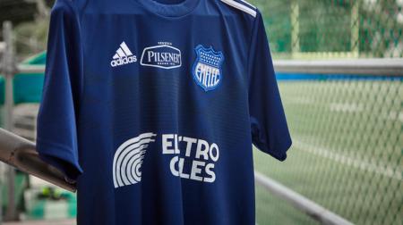La nueva camiseta de Emelec se presentaría en esta fecha