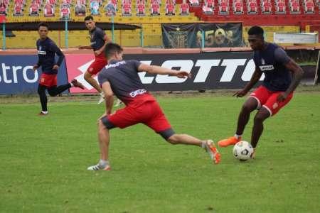 Deportivo Cuenca y su deuda con los jugadores