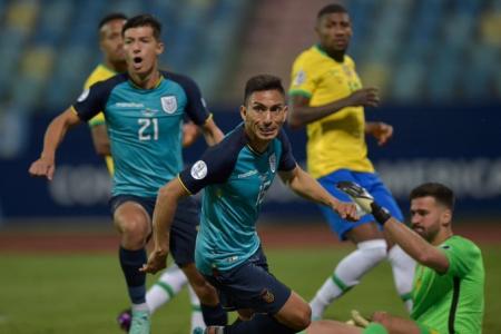 (VIDEO) Ángel Mena ya le había marcado goles a Alisson Becker