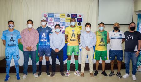 Santa Elena SC realizó la presentación oficial de su nueva Indumentaria