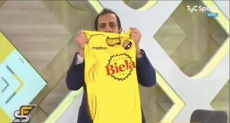 (VIDEO) José Chatruc festejó con la camiseta de BSC en un programa argentino