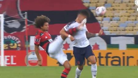 (VIDEO) Patada a la cabeza de Amarilla y expulsión del volante de Flamengo