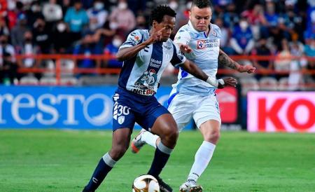 Pachuca y Cruz Azul igualan en la primera semifinal