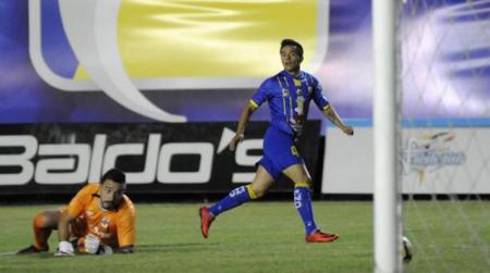 Francisco Mera presentado en su nuevo equipo