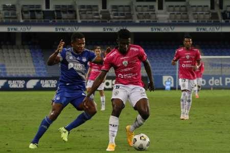 Con un jugador menos, Emelec sacó un empate ante Independiente del Valle
