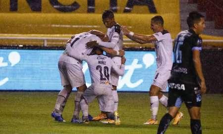 Sonaba para Liga de Quito pero renovó con su club