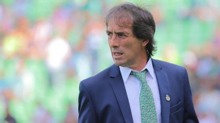 Guillermo Almada respondió a la posibilidad de dirigir la selección uruguaya