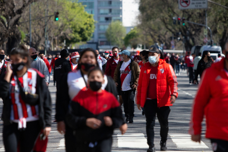 Presidentes de River Plate y Vélez Sarsfield imputados por incumplir con el aforo permitido