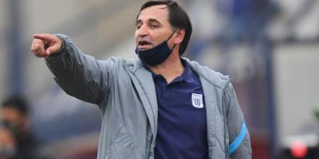 Alianza Lima, dirigido por el hermano de Fabián Bustos, clasificó a la final del fútbol peruano