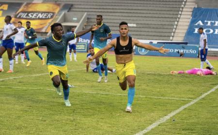 Cumbayá perdió pero celebró el título ante Atlético Porteño
