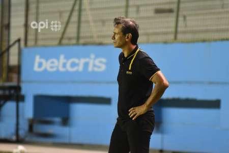 Fabián Bustos: ''Considero que es una derrota dolorosa que nos quitan posibilidades''