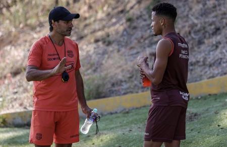 Barcelona se pronuncia con optimismo ante la lesión de Byron Castillo