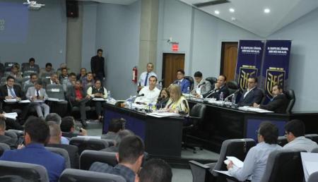 Proyecto de reforma de estatuto FEF impediría volver a Estrada